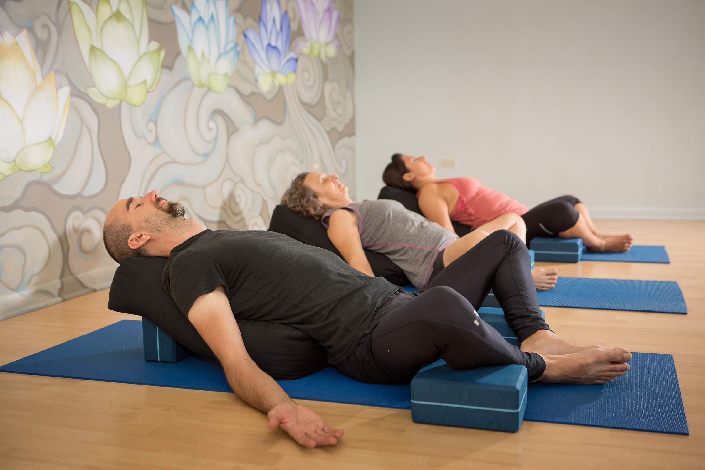yoga shala elmhurst chicago metro area google street. Black Bedroom Furniture Sets. Home Design Ideas