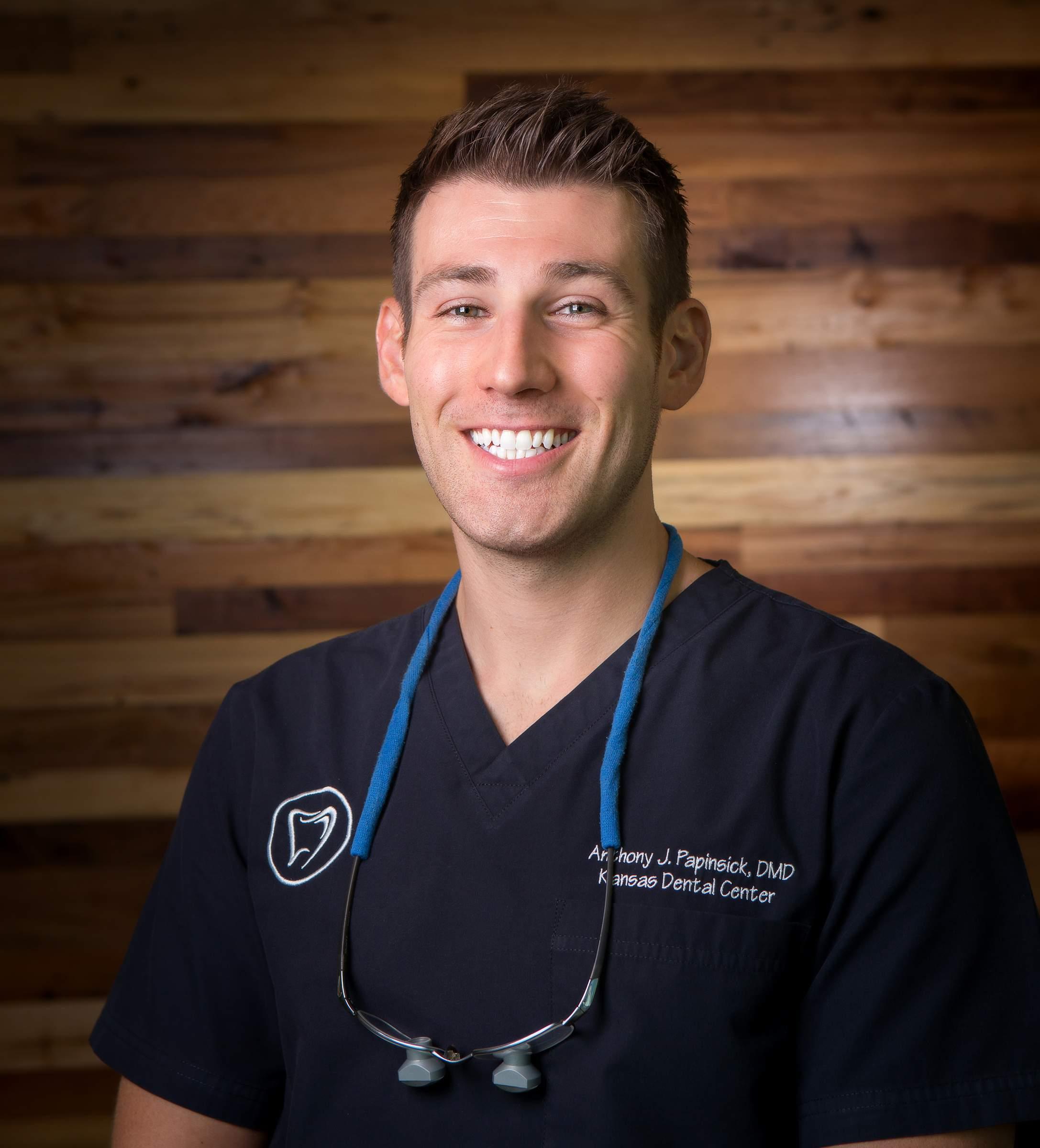 Dental Doctor portrait photographer Tom Schmidt WalkThru360